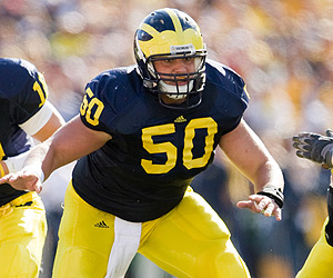 *Michigan center David Molk returns from injury this week, photo taken from isportsweb.com