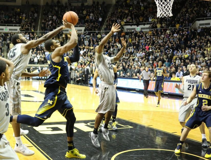 Glenn Robinson III somehow managed to get this winning shot to fall (Dustin Johnson, UMHoops)