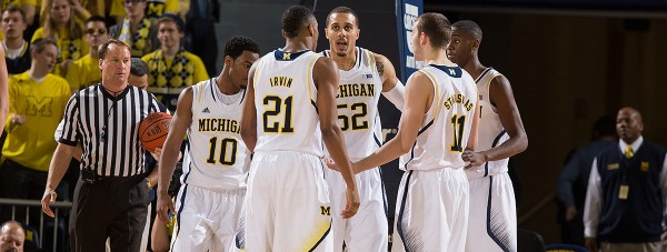 Michigan huddle vs Purdue