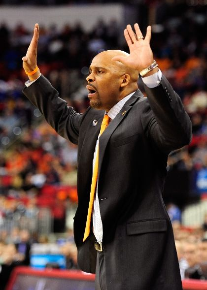 UT coach Cuonzo Martin played with Glenn Robinson's dad at Purdue (Grant Halverson, Getty Images)