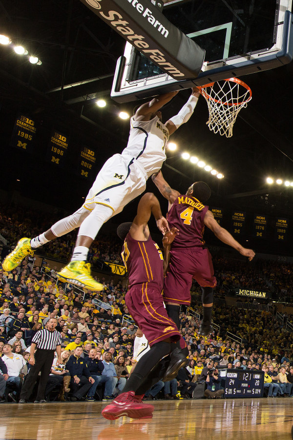 Glenn Robinson III made the highlight of the game with an alley-oop dunk over two Gophers (MGoBlue.com)